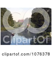 People Boating In The River Severn By The Shrewsbury School In Shrewsbury Shropshire England United Kingdom Royalty Free Stock Photography