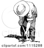 Clipart Vintage Black And White Man Digging Royalty Free Vector Illustration by Prawny Vintage